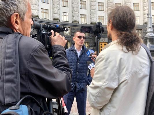 """Журналісти просять захистити їх від """"Укрпошти"""""""